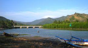 Pantai Konang: Pesona Di Balik Gunung Trenggalek
