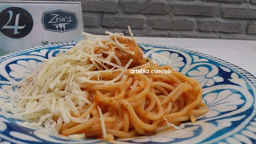 spaghetti chicken meat