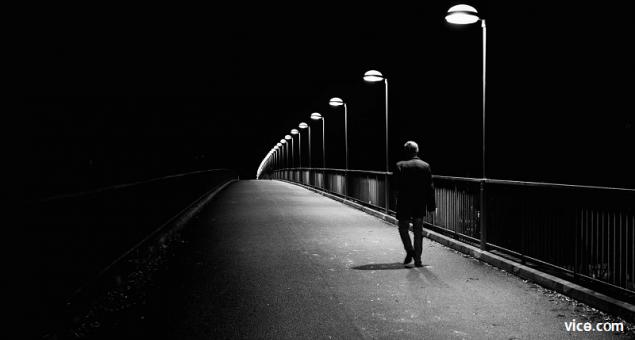 Aku Berjalan (Dan Dua Puisi Lainnya)