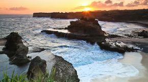 Jelajah Pantai Pacitan: Pantai Klayar