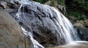 Banyu Anjlok - Pantai Bolu-Bolu - Keletekan: Sekali Dayung Dua Tiga Pulau Terlampaui